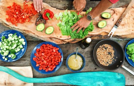 כבר נמאס לכם לבשל? 3 אופציות פשוטות וטעימות להזמנה